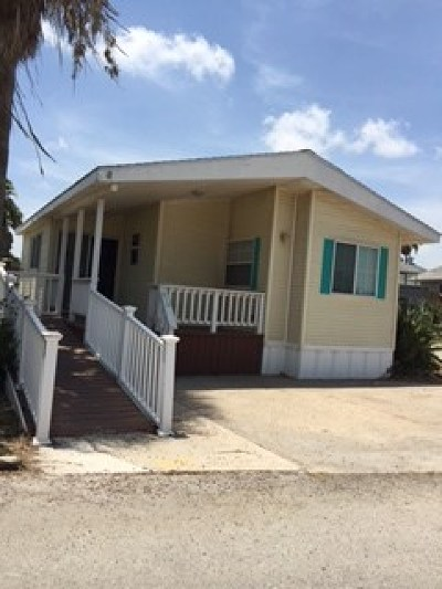 Port Isabel Single Family Home For Sale: 819 E Oyster Dr. #819