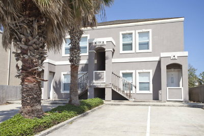 South Padre Island Condo/Townhouse For Sale: 102 E Huisache St. #2