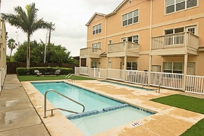 South Padre Island Condo/Townhouse For Sale: 107 E Ling St. #108