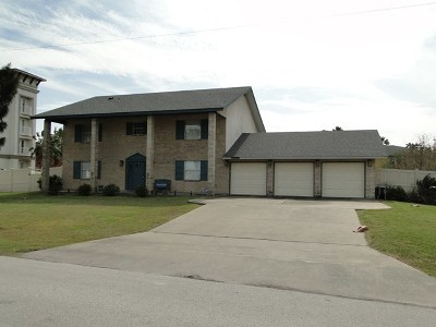 South Padre Island Single Family Home For Sale: 203 W Sunset Dr.