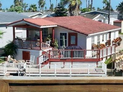 Port Isabel Single Family Home For Sale: 806 E Oyster Dr.