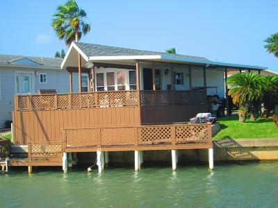 Port Isabel Single Family Home For Sale: 698 E Clam Circle
