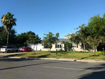 Brownsville Single Family Home For Sale: 655