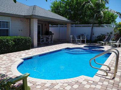 South Padre Island Single Family Home For Sale: 129 E Huisache St.