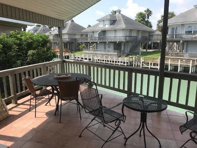 Port Isabel Single Family Home For Sale: 864 W Oyster Dr.