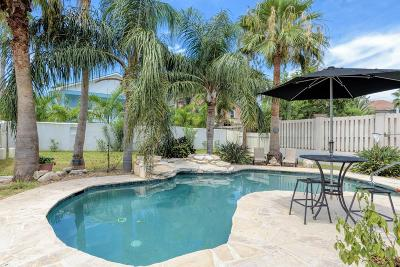 South Padre Island Single Family Home For Sale: 218 W Lantana St.