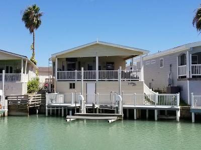 Port Isabel Single Family Home For Sale: 857 W Oyster Dr.