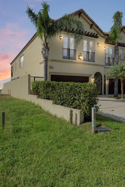 South Padre Island TX Condo/Townhouse For Sale: $795,000
