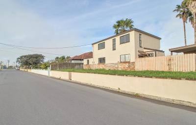 Port Isabel Single Family Home For Sale: 103 W Harrison