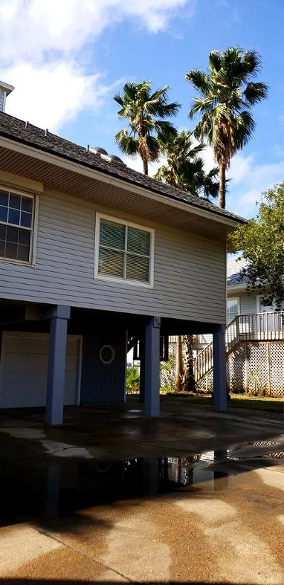 Port Isabel Single Family Home For Sale: 1039 W Scallop