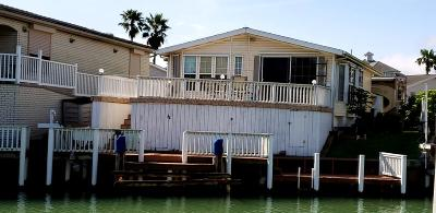 Port Isabel Single Family Home For Sale: 835 W Oyster Dr.