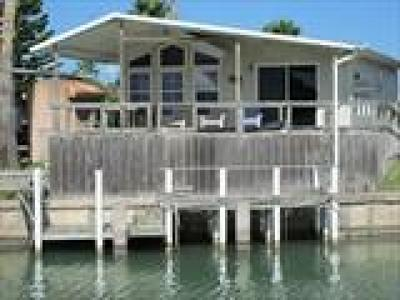 Port Isabel Single Family Home For Sale: 705 E Clam Circle