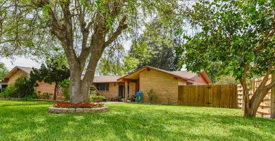 Los Fresnos Single Family Home For Sale: 98 Huisache St.