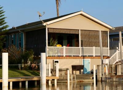 Port Isabel Single Family Home For Sale: 372 Sand Dollar Dr