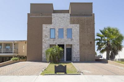 South Padre Island Condo/Townhouse For Sale: 105 E Esperanza Ave. #B