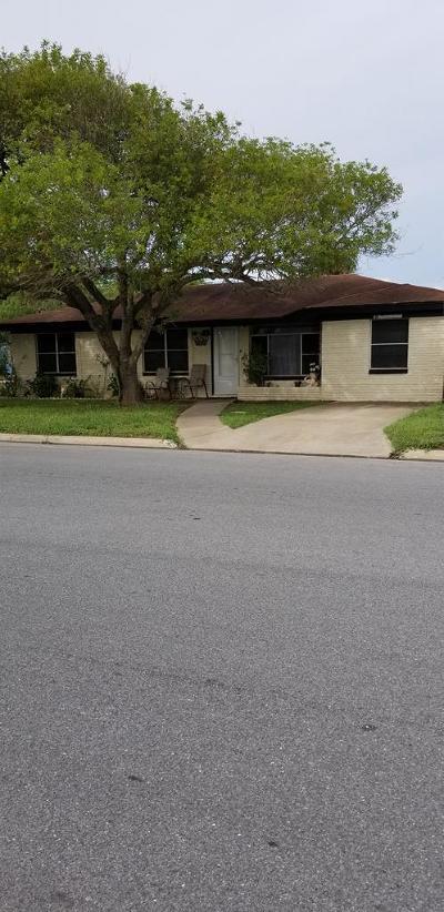 Port Isabel Single Family Home For Sale: 301 S Longoria