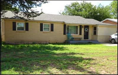 Seminole TX Single Family Home For Sale: $139,500