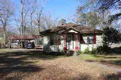 Huntington Single Family Home For Sale: 587 Earl Shofner Road