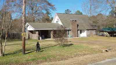 Burkeville, Hemphill, Hemphill Sub-division, Milam, Shelbyville Single Family Home For Sale: 185 Erwin Street