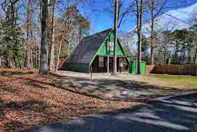 Burkeville Single Family Home For Sale: 184 West Hickory Hill