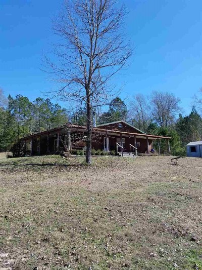 Burkeville TX Single Family Home Sale Pending: $129,900