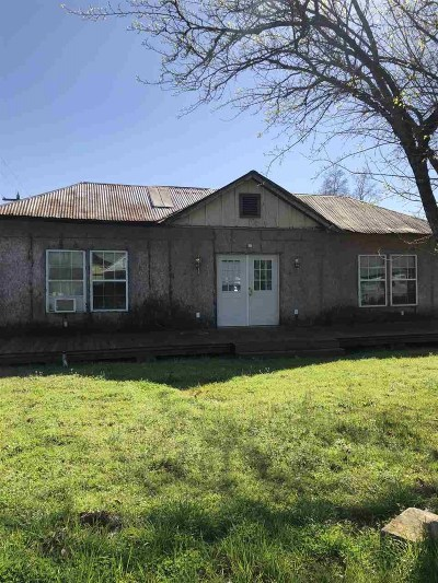 Pineland Single Family Home For Sale: 205 Hickory St