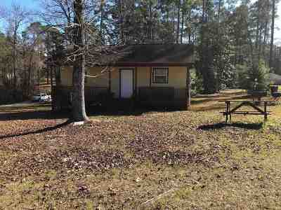 Hemphill TX Single Family Home For Sale: $75,000