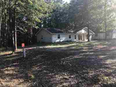 Hemphill TX Single Family Home For Sale: $169,000
