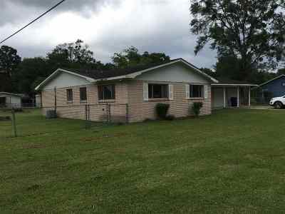 Kirbyville Single Family Home Accepting Backups: 204 E Doel Bean St