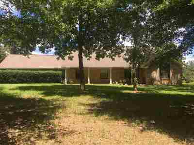 Angelina County, Jasper County, Nacogdoches County, Newton County, Sabine County, San Augustine County, Shelby County Farm & Ranch For Sale: 3106 N Fm 1970