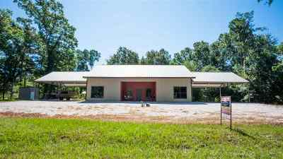 Zavalla Single Family Home For Sale: 222 Parkside Dr