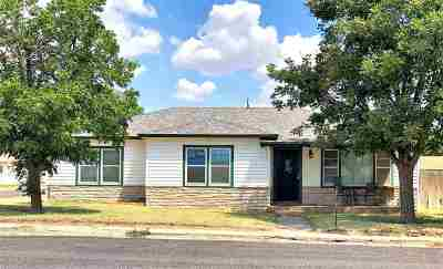 Single Family Home For Sale: 908 NW Ave H