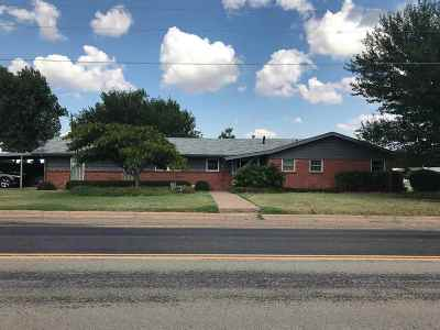 Single Family Home For Sale: 1411 Airport Road