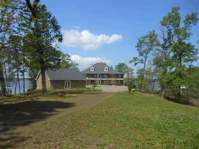 Burkeville, Hemphill, Hemphill Sub-division, Milam, Shelbyville Single Family Home For Sale: 643 Lakeland Circle