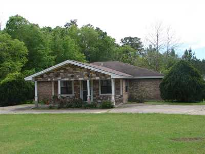 Angelina County, Jasper County, Nacogdoches County, Newton County, Sabine County, San Augustine County, Shelby County Commercial For Sale: 605 W Gibson