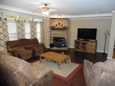Milam Single Family Home For Sale: 14255 Hwy 87 North