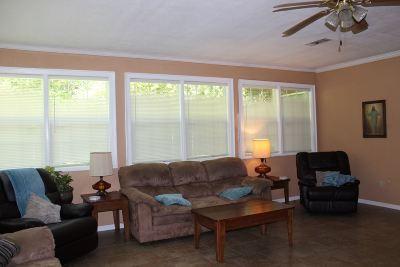 Kirbyville Single Family Home For Sale: 402 E Stadium St