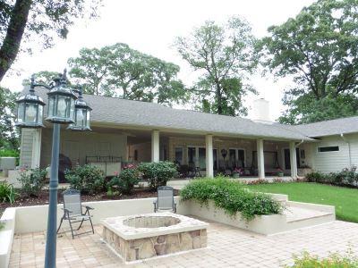 Hemphill Single Family Home For Sale: 295 Sam Houston St.