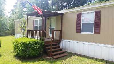 San Augustine, Sanaugustine Manufactured Home For Sale: 1425 Whippoorwill