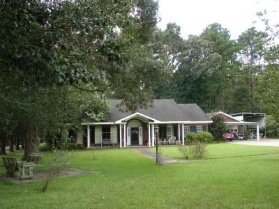 Newton Single Family Home For Sale: 216 Suzy Lane