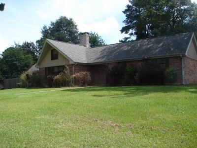 Newton Single Family Home For Sale: 719 Ola St
