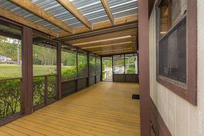 Huntington, Zavalla, Brookeland, Etoile, Broaddus, Bronson Manufactured Home For Sale: 142 Roadrunner Dr