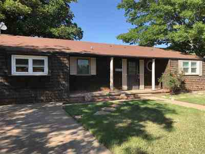 Single Family Home For Sale: 202 N 18th St.