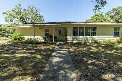 Single Family Home For Sale: 1 Circle Q