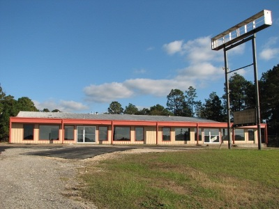 Angelina County, Jasper County, Nacogdoches County, Newton County, Sabine County, San Augustine County, Shelby County Commercial For Sale: 4190 N Wheeler St.