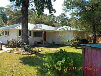 Huntington, Zavalla, Brookeland, Etoile, Broaddus, Bronson Single Family Home For Sale: 108 Longleaf