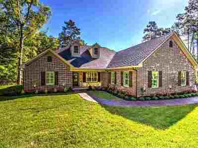 Single Family Home Back On Market: 2420 Glen Hollow