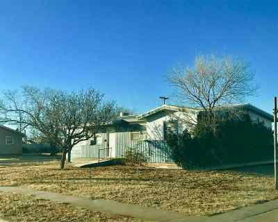 Seminole TX Single Family Home For Sale: $64,500