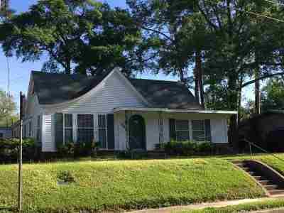 Huntington, Zavalla, Brookeland, Brookelannd, Japer, Jasper, Chireno, Etoile, Broaddus, Bronson Single Family Home For Sale: 548 Ogden