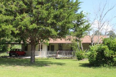 Hemphill TX Single Family Home For Sale: $199,000